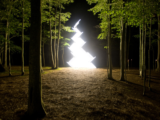 Flame -Gate-,Light installation, 850 x 530 cm, 2009 02