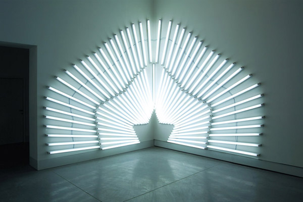 Sunset -corner installation-, Fluorescent lights, 600 x 340 cm, 2008