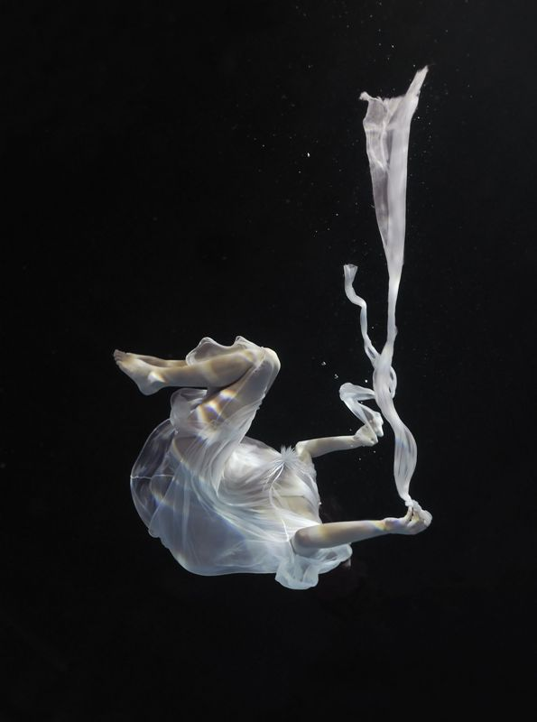 Whispering waters - Circe, C-print, 104 x 140 cm, 2009